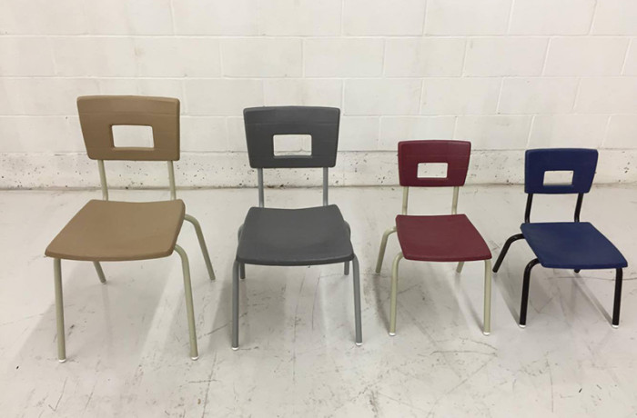 Chaise empilable  <span>Série 30</span>